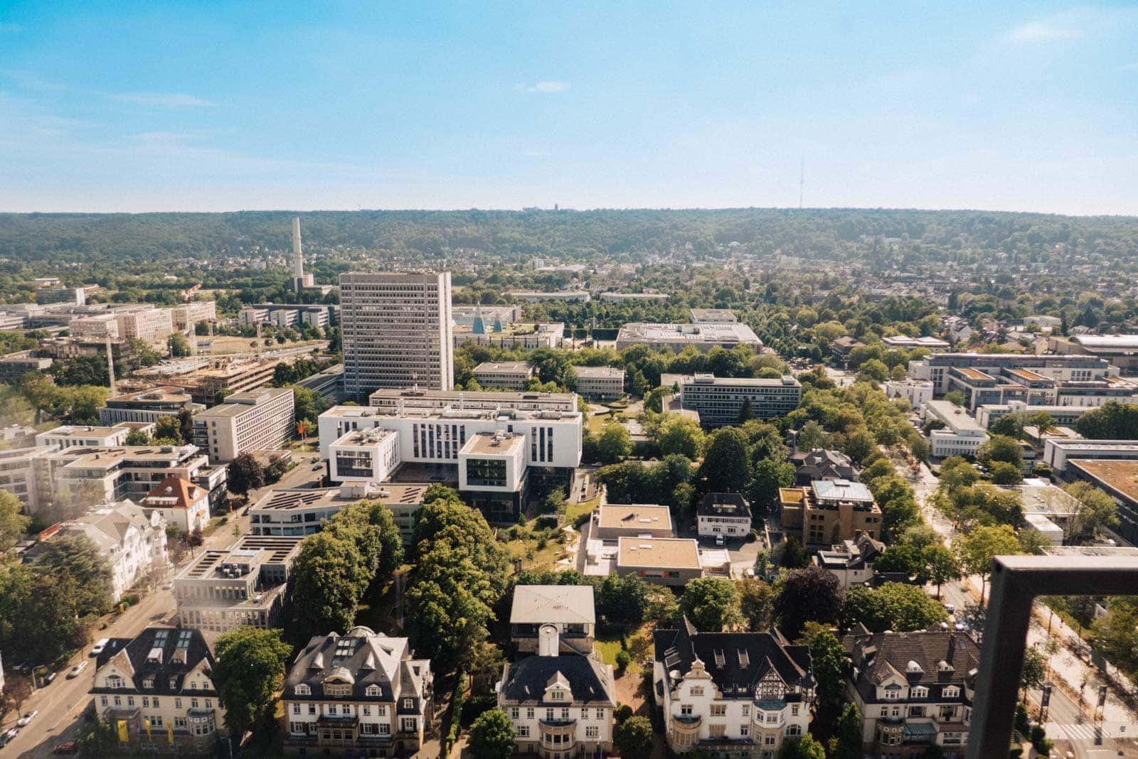 Die Stadt Bonn fotografiert aus dem langen Eugen