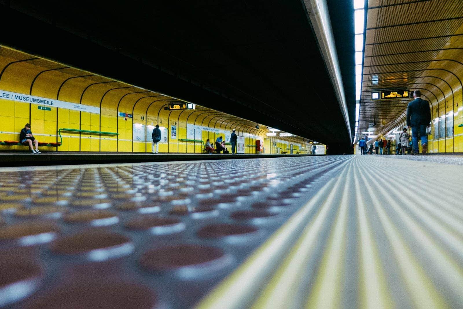 U-Bahn Haltestelle Bonn Heussallee Museumsmeile