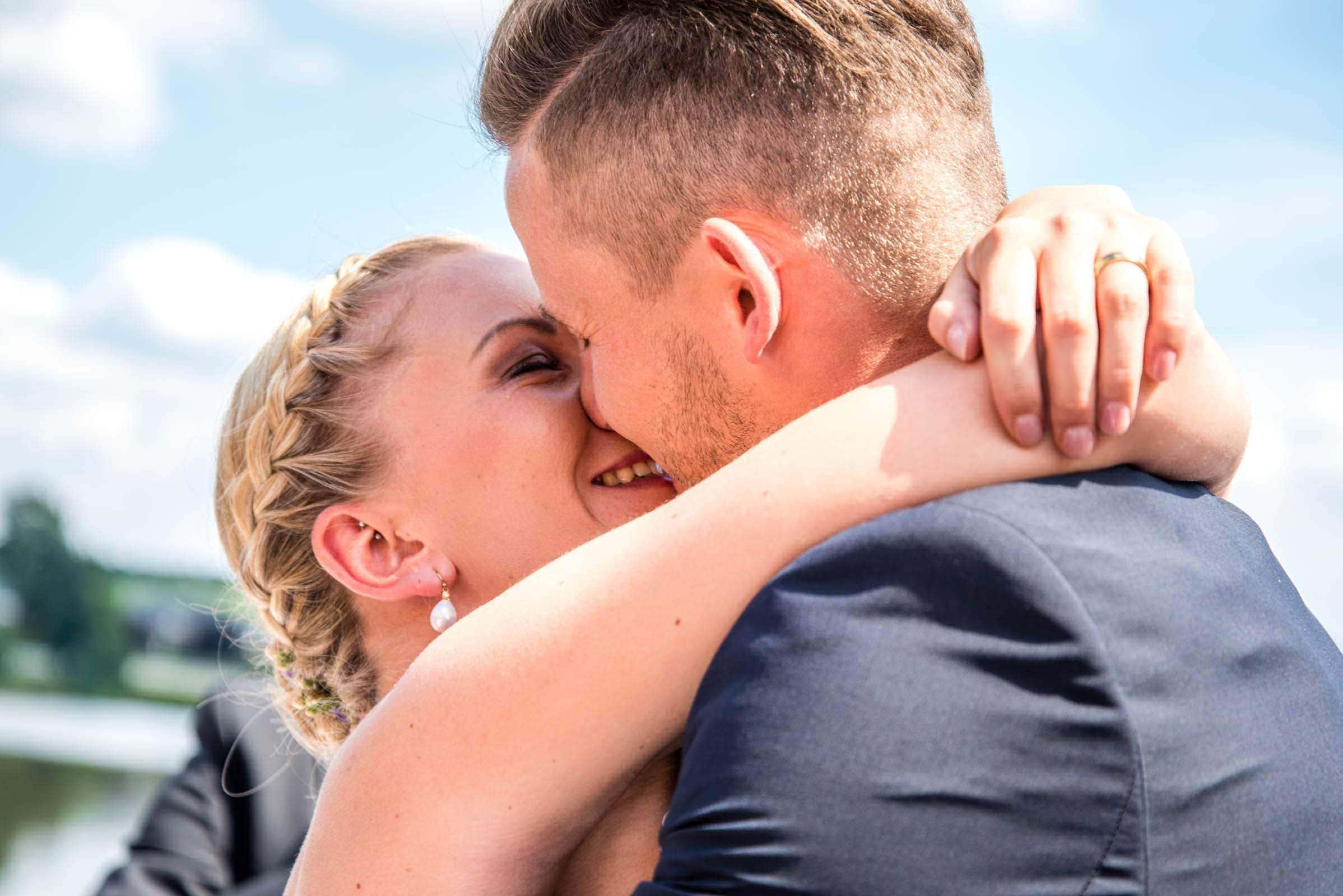 Freie Trauung in Kell am See mit Hochzeitsreportage fotografiert vom Hochzeitsfotograf Trier David Kliewer
