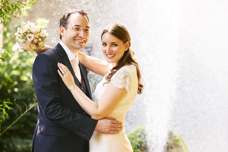 Hochzeitsfotografie mit Brautpaarshooting an der Burg Rittersdorf bei Bitburg