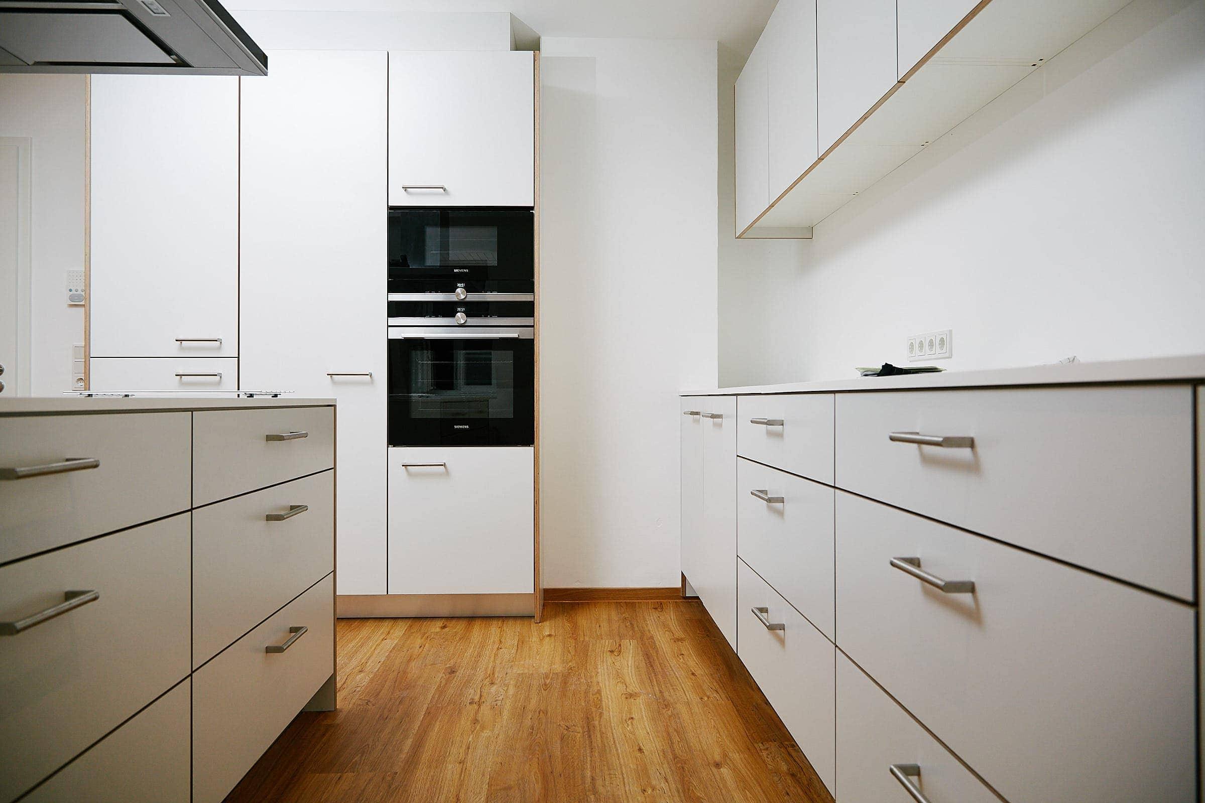 Moderne Küche im Böhmerhaus Trier