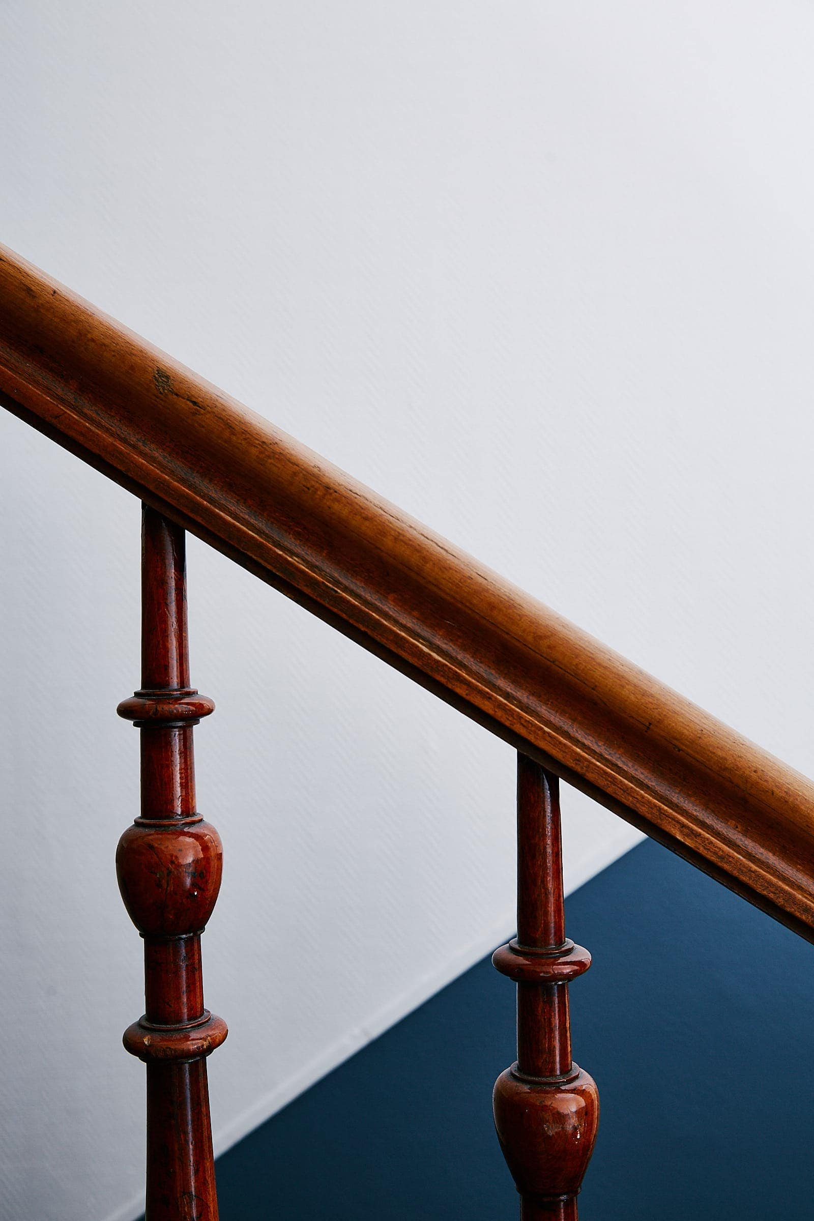 Fotografie eines Treppengeländers im denkmalgeschützten Böhmerhaus Trier