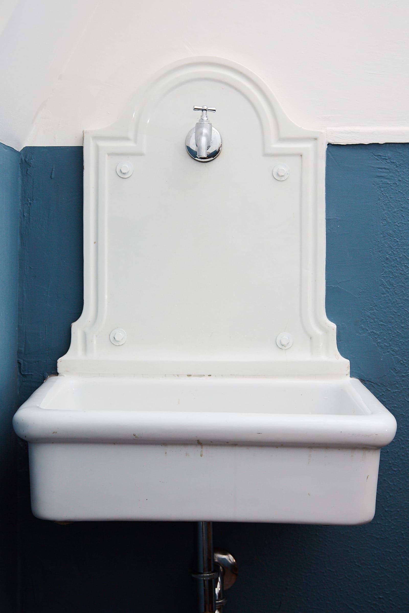 Restauriertes Waschbecken