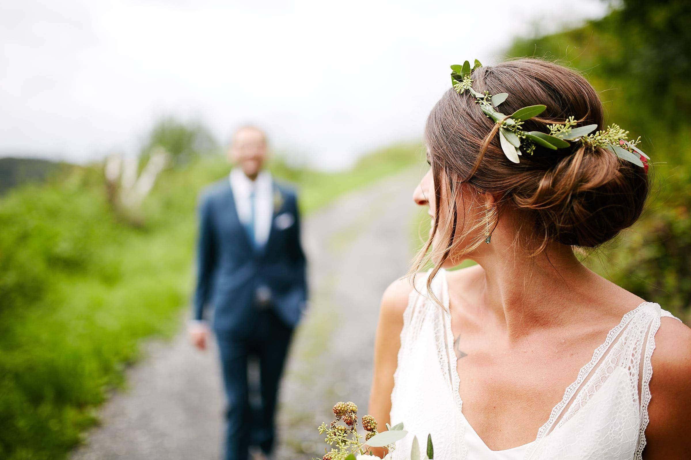 Fotoshooting mit Brautpaar im Weinberg