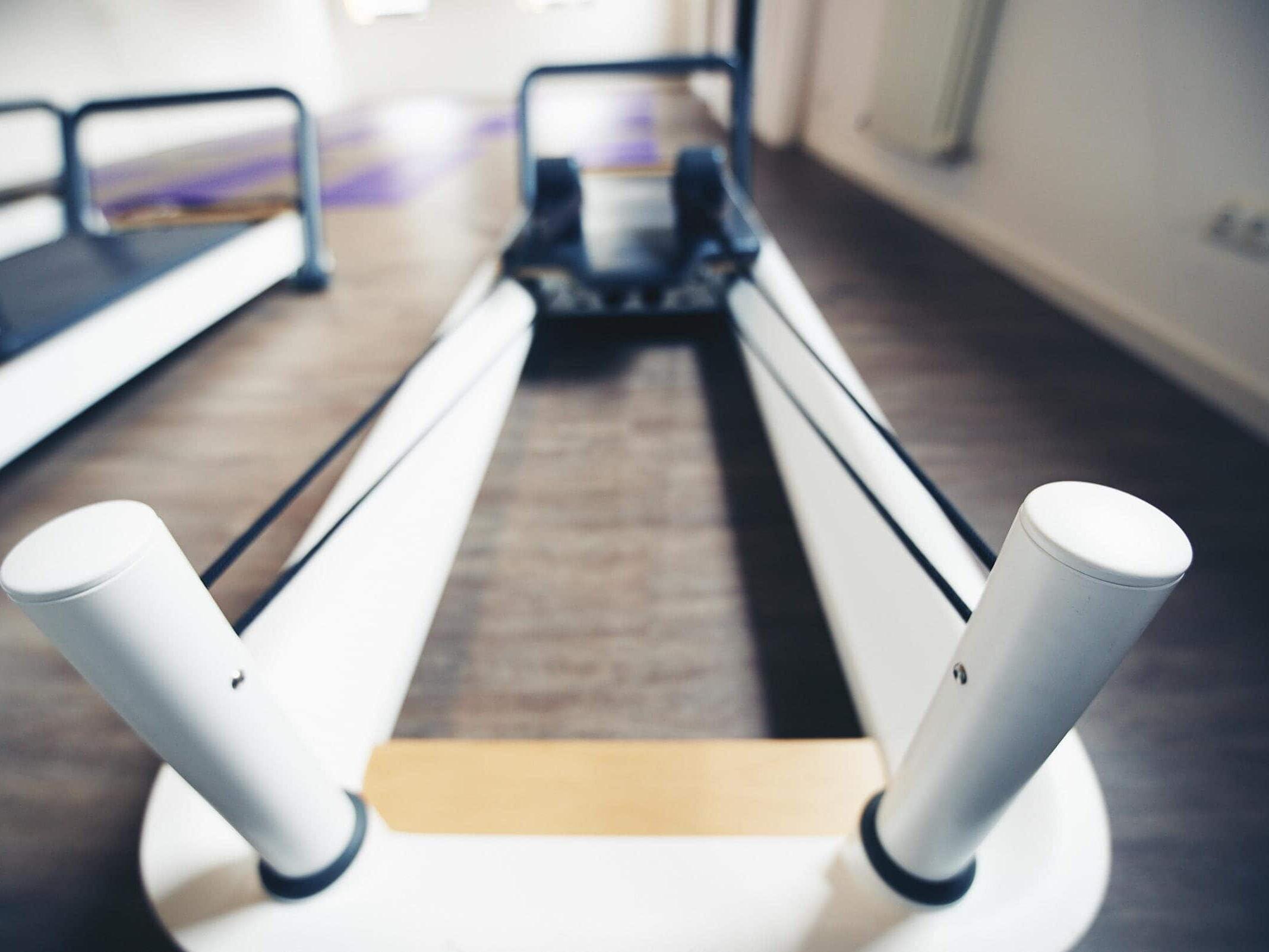 Foto eines Pilates Reformer im Pilates-studio Alineo Trier