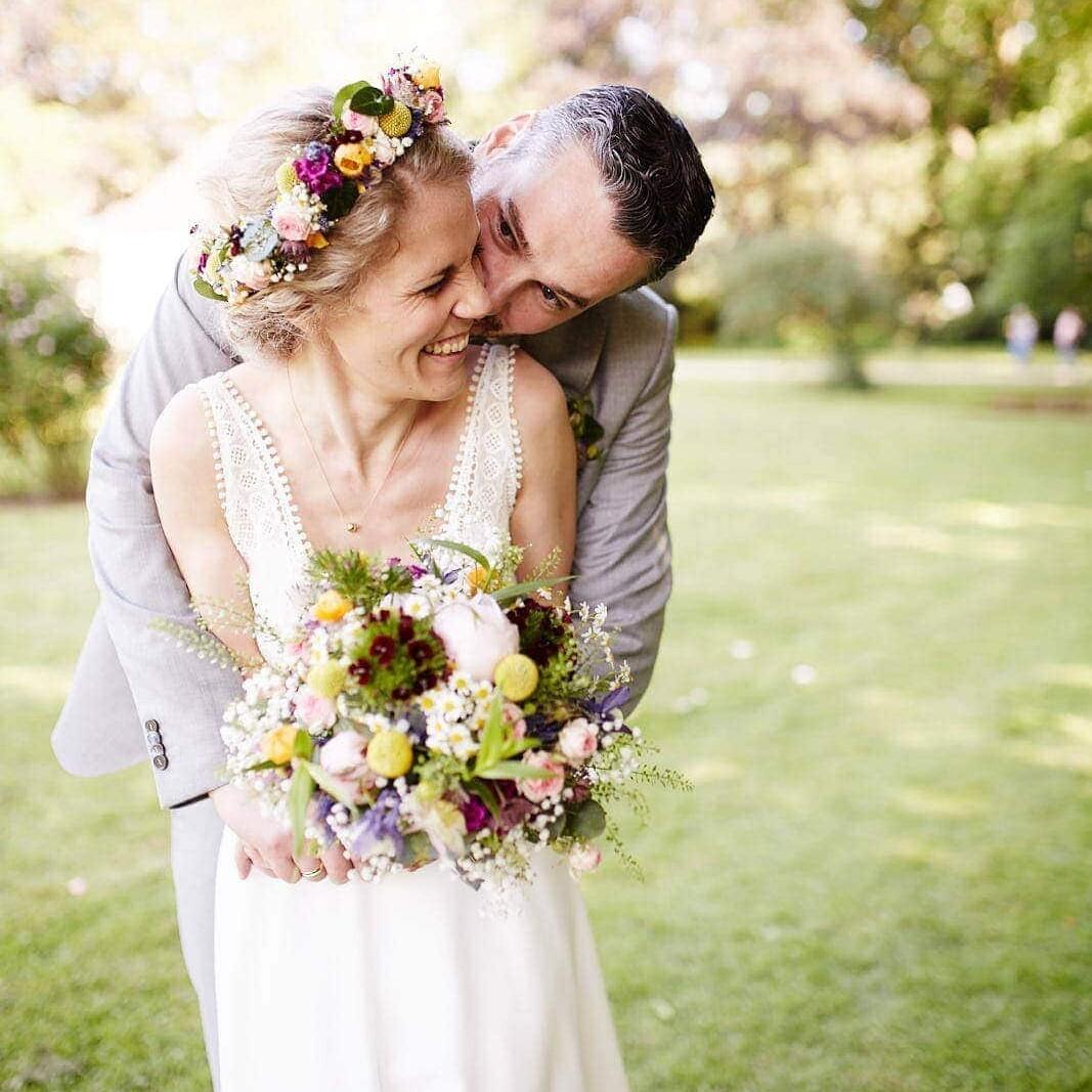 lebendige Brautpaarfotos, emotional und ungestellt.